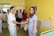 Prvním miminkem letošního roku narozeným v nymburské porodnici se stal Patrik Dyršmíd z Lysé nad Labem.