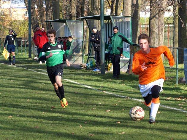 Starší dorostenci Polabanu Nymburk hráli se Střešovicemi 2:2, pak vyhráli na pokutové kopy.