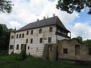 Renesanční zámek v Přerově nad Labem.