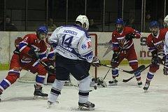 Z hokejového utkání druhé ligy Nymburk - Kolín (4:1)