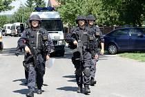Policejní akce ve Strakách po pokusu o ozbrojené přepadení