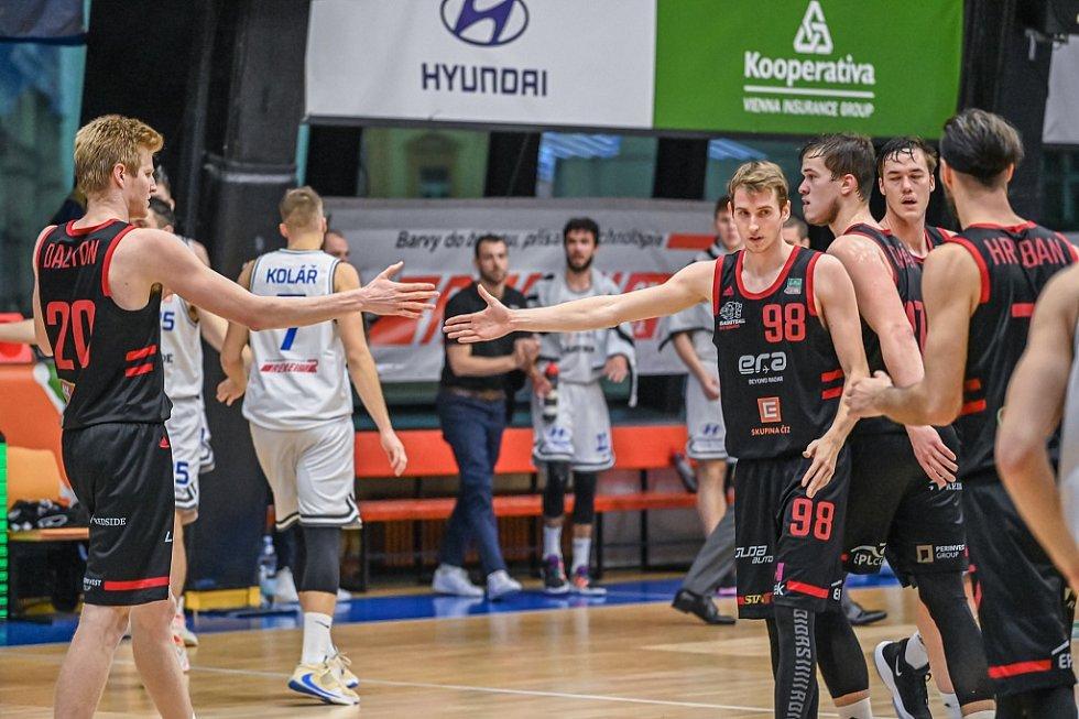 Z basketbalového utkání Kooperativa NBL USK Praha - Nymburk (88:72)