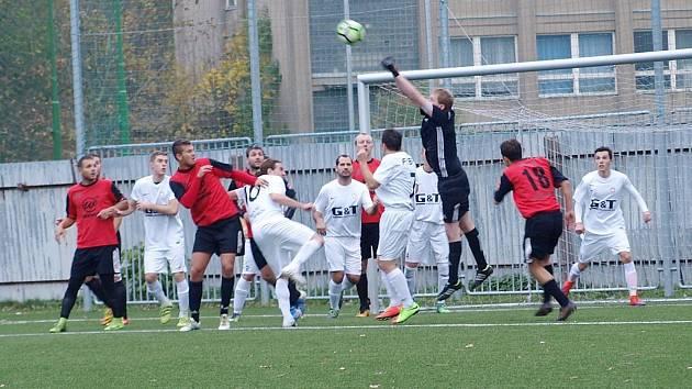 Zápas okresního přeboru mezi celky Bohemie Poděbrady B a Kostomlaty skončil nerozhodně 1:1.
