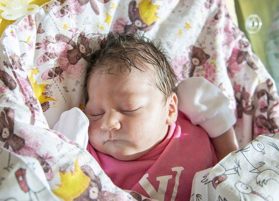 Sofie Lehetová se narodila v nymburské porodnici 8. září 2021 v 10.41 hodin s váhou 3360 g a mírou 49 cm. Na prvorozenou holčičku se ve Vlkavě těšila maminka Edita a tatínek Jan.