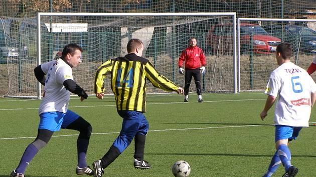 Z přípravného fotbalového utkání Libice - Luštěnice (5:5)