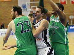 Z basketbalového utkání FIBA Europe cup Nymburk – Hibernia Dublin (106:45)