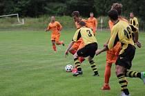Na hřišti v Předhradí se konal fotbalový turnaj čtyř týmů, jehož vítězem se stala podle předpokladů Sokoleč