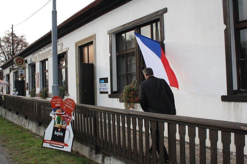 Volby v Vlkově pod Oškobrhem