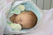 KUBA, KUBÍK. Jakub HORSKÝ  se narodil 2. listopadu 2015 v 14.15 hodin rodičům Martině a Miroslavovi z Nymburka. Klouček s mírami 3 060 g a 48 cm už má doma sestřičku Denisu (3,5).