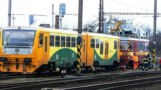 Srážka motorových vlaků u nymburského nádraží