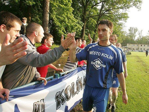 Z fotbalového utkání krajského přeboru Kolín - Zápy (1:0)