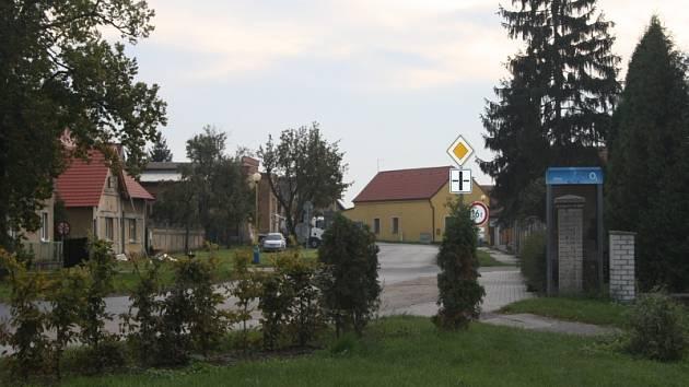 Poznáte vesničku podle aktuálních detailů redaktora?