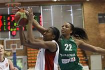 Z utkání Ženské basketbalové ligy Nymburk - Valosun Brno (65:81)