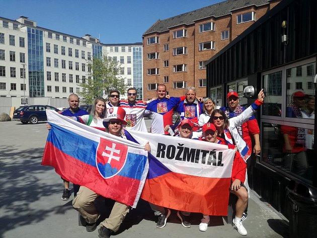 Petra Potočná s partou z Poděbrad na šampionátu v Dánsku.