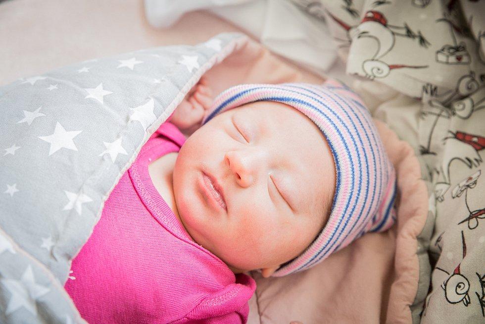 Štěpánka Mikolajczyk, Stará Lysá. Narodila se 10. června 2020 ve 13.27 hodin, vážila 2 850g a měřila 46 cm. Z holčičky se radují rodiče Pavlína a Marcin a bratříček Filip (1,5 roku). (porodnice Nymburk)