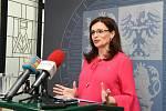 Hejtmanka Středočeského kraje Jaroslava Pokorná Jermanová (ANO) v pondělí po jednání krajských radních vystoupila na tiskové konferenci před novináři.