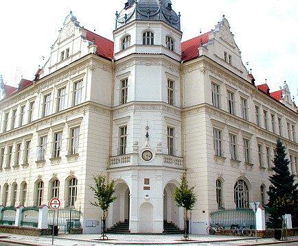 Nymburské gymnazium.