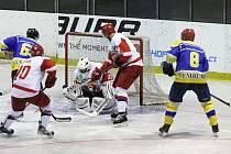 Z přípravného hokejového utkání Nymburk - Hradec Králové junioři (2:7)