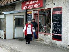 Provozovna řeznictví na Zbožské ulici se stala cílem zájmu nejen veterinářů, kteří našli uvnitř katastrofální hygienické prostředí, ale navštívil ji i zloděj.