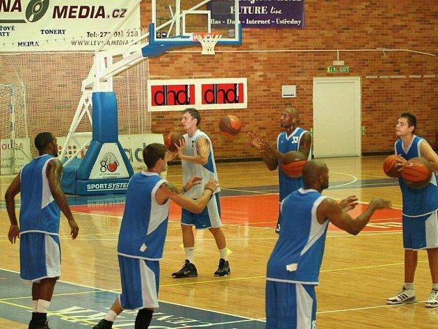 Basketbalisté Nymburka mají za sebou první trénink před novou sezonou