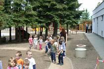 Otevření zahrady u mateřské školy v Poděbradech na Žižkově
