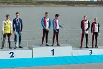 Medailisté. Na prvním místě skončili Šafařík s Ptákem, na třetí pozici pak Hájek s Pinkasem