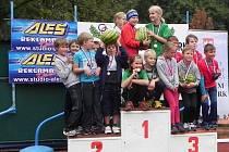 RADOST. Nejlepší odměnou je dětem to, že mohou vystoupat na stupně vítězů. Jako v tomto případě při klání O nejlepšího atleta Nymburka