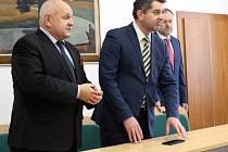 Na poděbradském zámku se setkali ukrajinský velvyslanec, vedení lázeňského města a ukrajinští studenti připravující se na studium na českých vysokých školách.