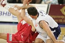 Basketbaloví příznivci si jistě nenechají ujít derby mezi Nymburkem a Poděbrady