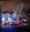 Požár Kovony v Lysé nad Labem zachvátil výrobní halu.