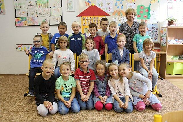 Třída 1.B střídní učitelkou Evou Poláškovou.