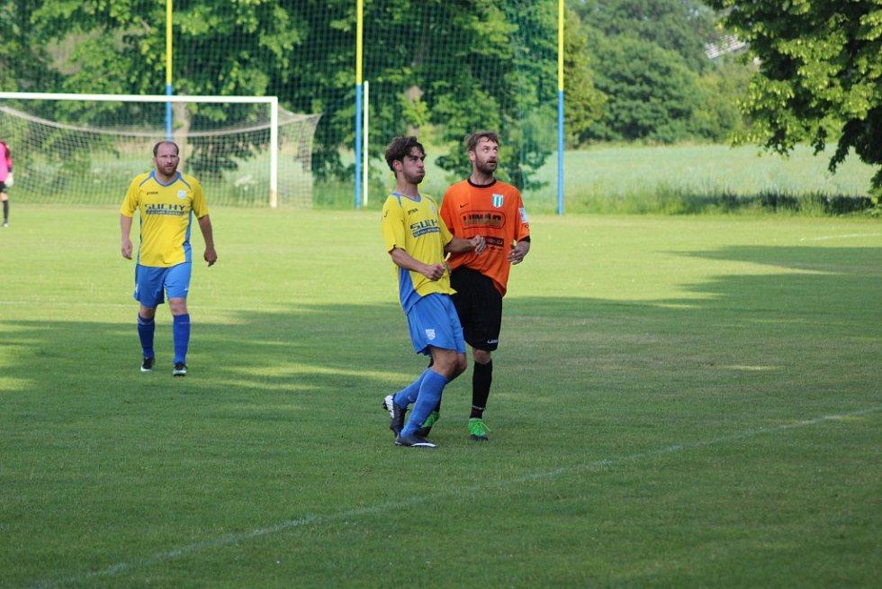 Z fotbalového utkání okresního přeboru Kovanice - Rožďalovice (3:1)