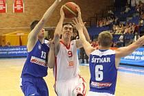 Z basketbalového utkání play off Mattoni NBL Nymburk - USK Praha