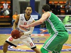 Z basketbalového utkání VTB ligy Nymburk - Kazaň (74:75)