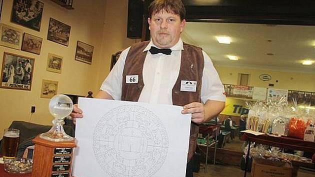 Kulečníkový turnaj Dymokurská koule se letos odehrál v činěveské sokolovně.
