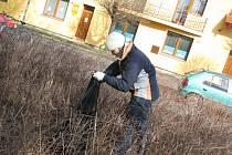 Studenti se i v Poděbradech zapojili do akce Ukliďme svět