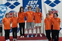 ZÁŽITEK. Plavecká výprava nymburského oddílu SKP zažila skvělou atmosféru při mezinárodních závodech v Berlíně