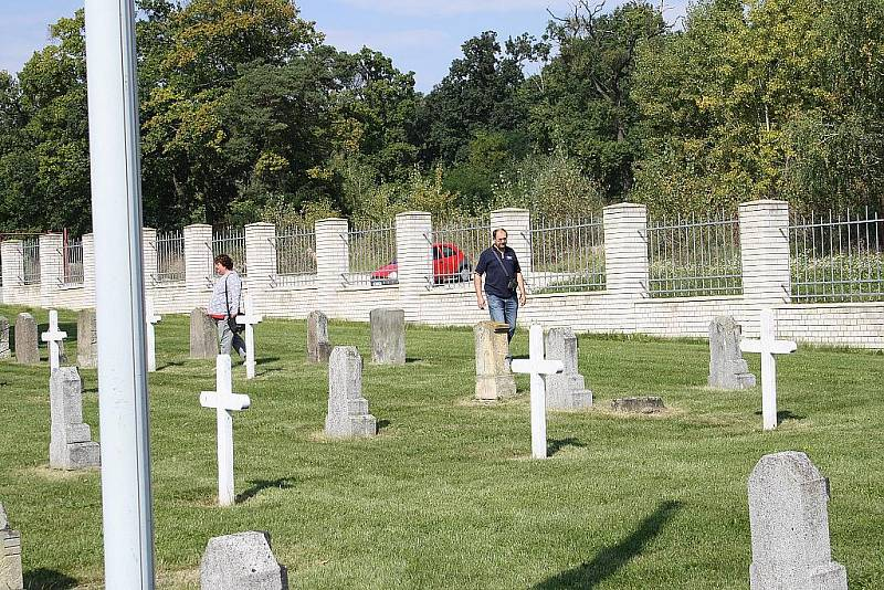V rámci Dnů evropského dědictví otevřely Milovice také starý vojenský italský hřbitov.
