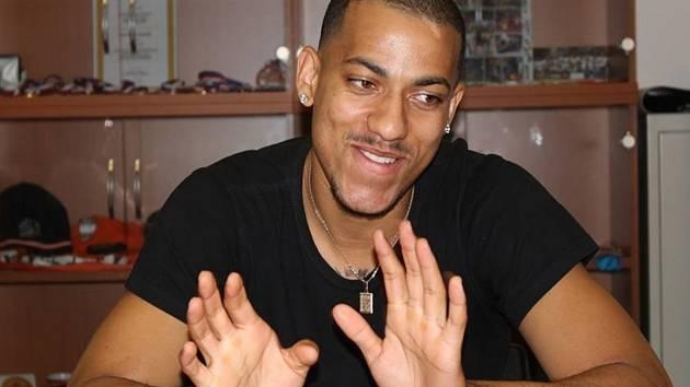 KENDALL SMITH, který je jednou z posil nymburského basketbalového mužstva pro nadcházející sezonu, je již v Nymburce.