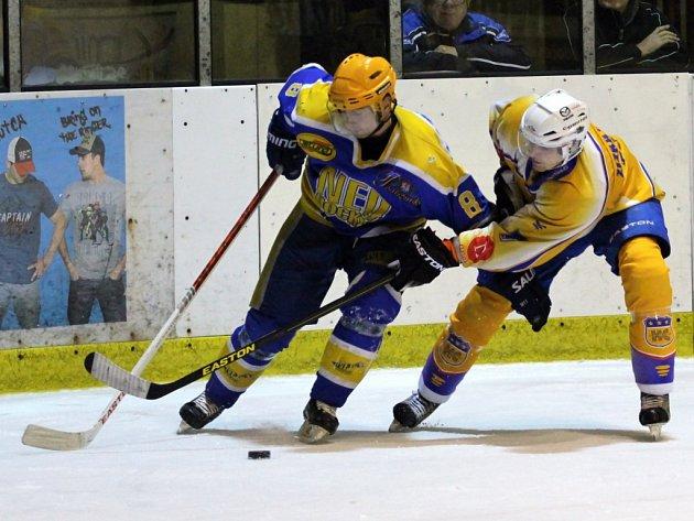 Z utkání druhé hokejové ligy Nymburk - Klášterec (1:3)