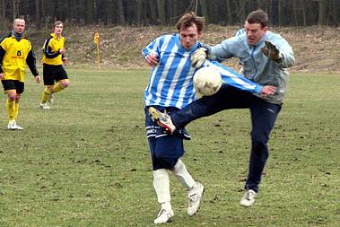Z přípravného utkání Litol - Milovice (1:1).