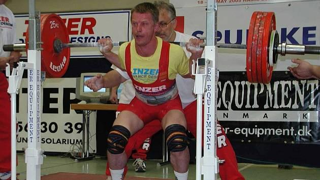 Nymburský silový trojbojař Karel Ruso získal na mistrovství republiky první místo v kategorii masters.