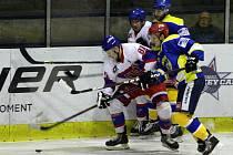 Z hokejového utkání druhé ligy Nymburk - Kobra Praha (1:4)
