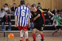 Z fotbalového turnaje Kevin cup v Poděbradech. Snímek je z utkání Bílý balet - F. C. S. Nový Bor