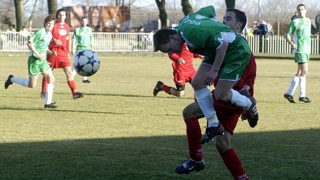 Polaban doma jasně porazil Hořovice 3:0.