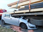Smrtelná nehoda se stala na obchvatu Nymburka ve čtvrtek časně ráno.
