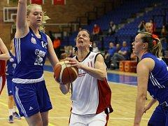 Z basketbalového utkání ŽBL Nymburk - Karlovy Vary (74:54)