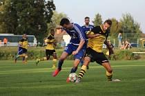 Z divizního fotbalového utkání Litol - Letohrad (0:1)