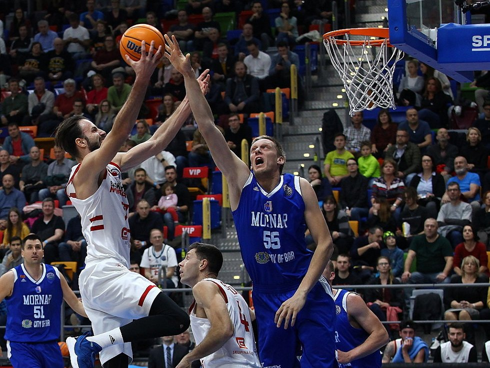 Z basketbalového utkání Ligy mistrů Nymburk - Mornar Bar (91:74)