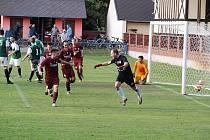 Z fotbalového utkání krajského přeboru Bohemia Poděbrady - Lhota (3:3, na penalty 4:2)
